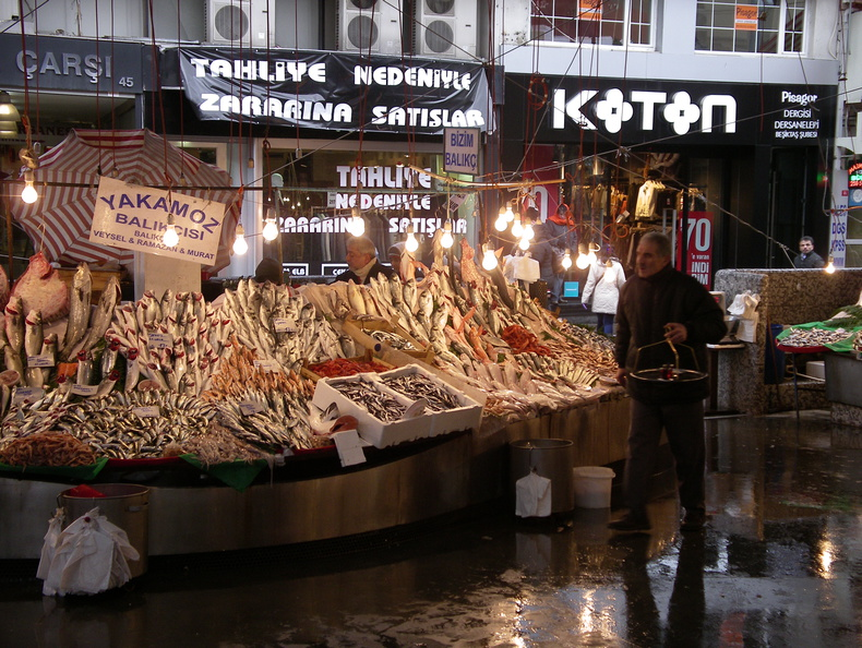 Istanbul local fish market